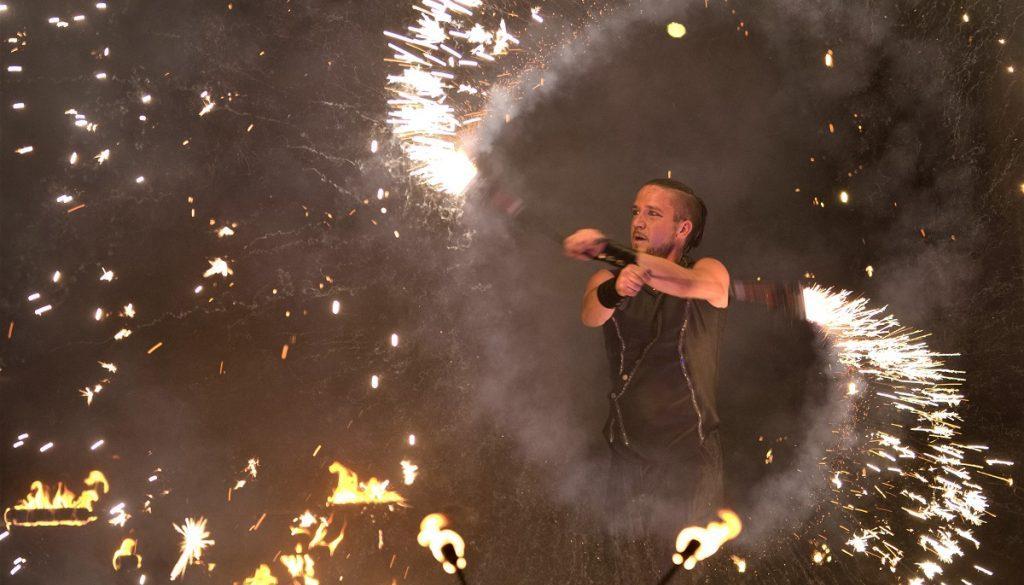 swap-feuershow-pyroshow-feuerwerk-hochzeit-geburtstag-obrigheim-sabrina wolfram-künstler-heidelberg